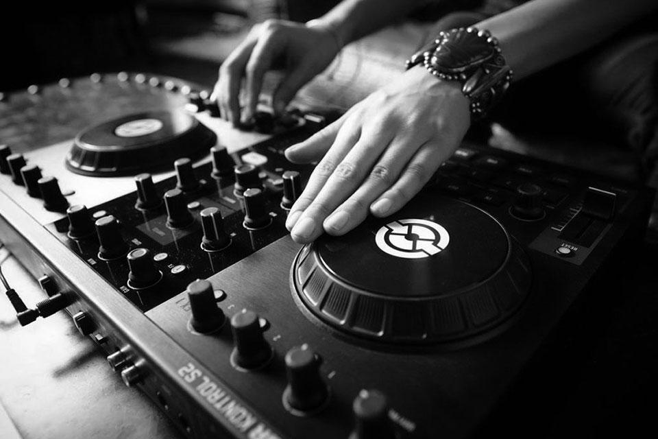 Sporten Met Een DJ Vanaf Oktober
